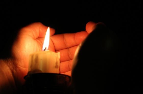 il calore della fiamma di candela